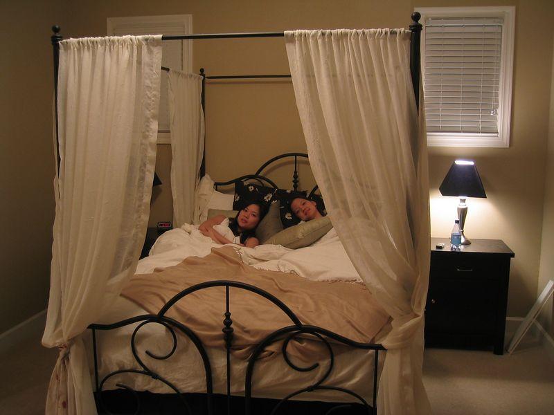 2004 09 25 Saturday - Cyndi & Joann Chu in Benny's castle bed