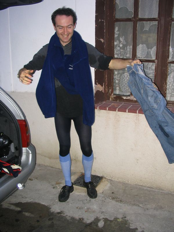 result of dodgy one piece ski-suit leaking Ludo, Dec2003