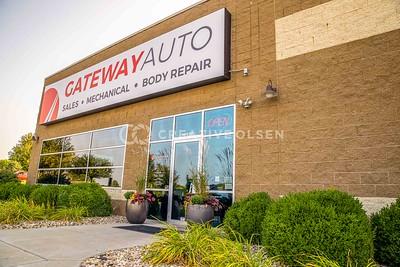 092420 Gateway Auto  Advertising Photography Commercial Photographer Auto Shop Photos Team Employee Photos Gateway Auto Creative Olsen Omaha, Nebraska