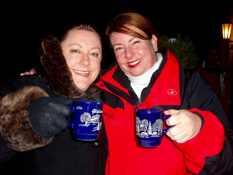 Karen na Marie with Gluwein