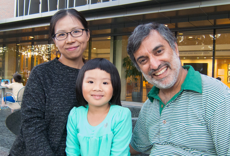 00aFavorite 20161029 (1824) Juan, 5-yo Sophie, and Dilip after Intl Frndschp Pgm reception