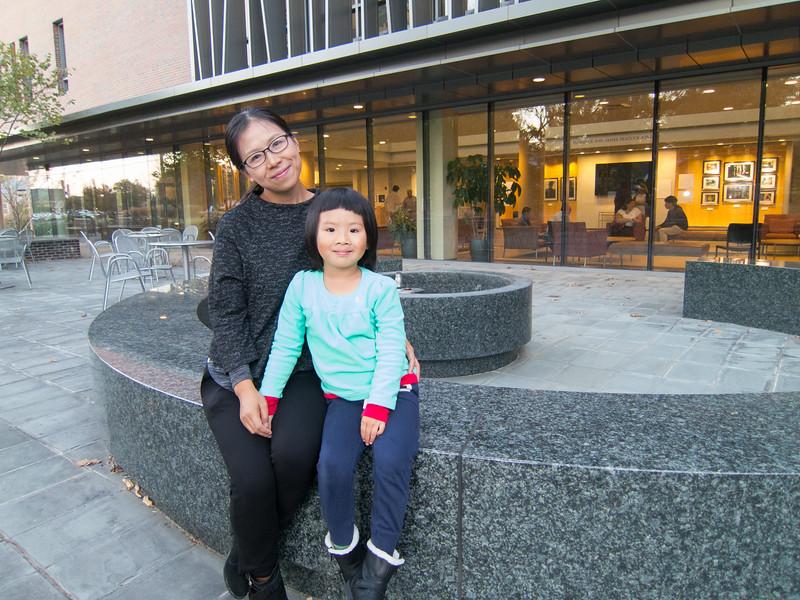 00aFavorite 20161029 (1821) Juan Jiang and 5-yo Sophie