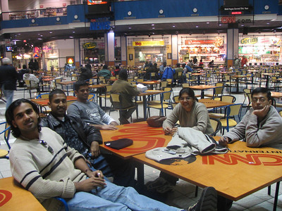 Left-Right: Deb (Balaji), Mukhil, Bheem (Karthikeyan), Aarthi and Arun