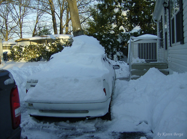 There is a GEO Metro under all that snow!<br /> Icicle, December 19, 2009 Blizzard