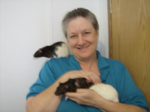 Gwen, 11 on shoulder, 7 & 8 puddin rats!