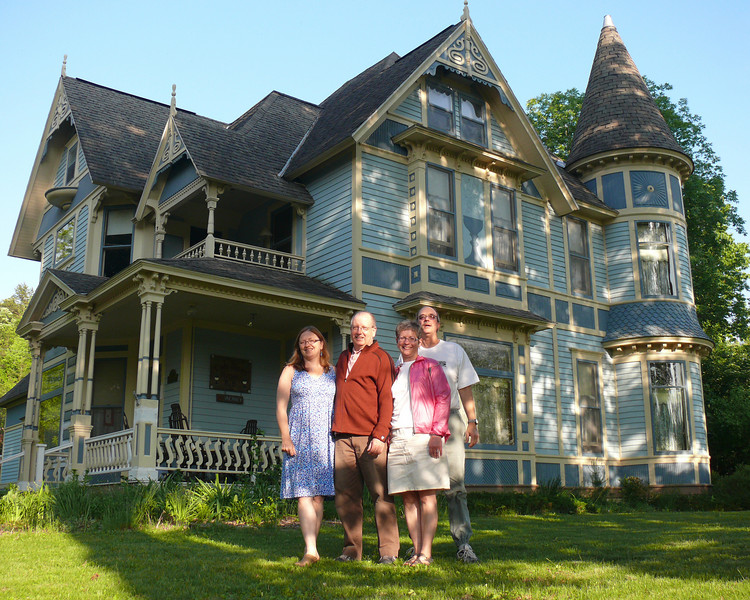 In front of our B&B, the Cady Hayes House.