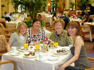 Brunch at the Palace Hotel Lauren, MP, Linda, DD