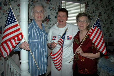 Mamie Celebrates July 4th '05 With the Greatest Generation
