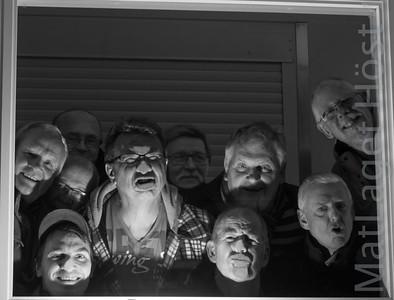 """Dagens """"hjältar"""" - Ops fotografen fick inte rum. . ."""