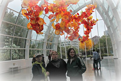 Maureen and Nancy at Chihuly Glass Exhibit