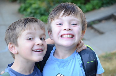 Max and Lucas first day school