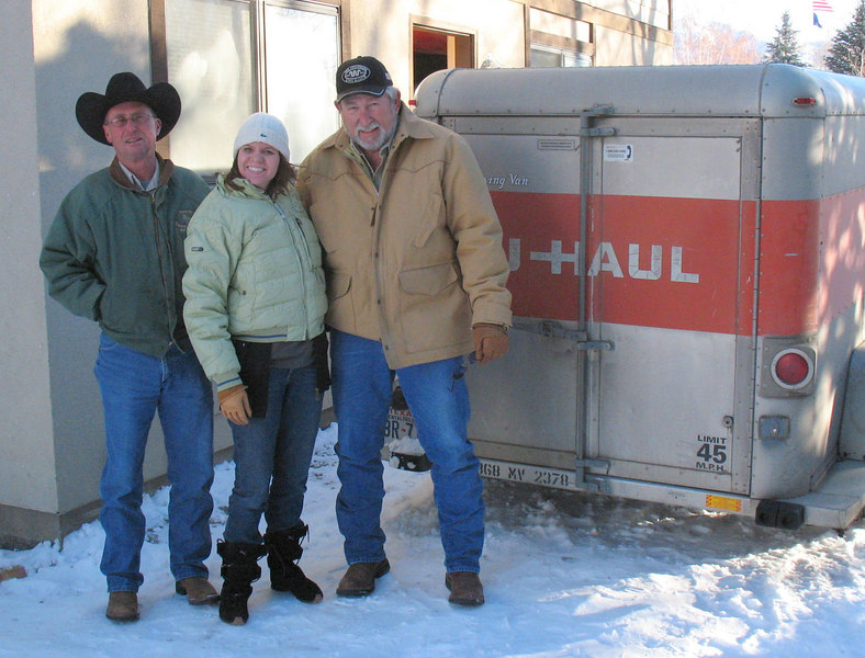 Moving in!  Alex, Meagan & Ken finish unloading her stuff after driving it up from Ketchum.  It was -3Faranheit ... COLD.  Chad & Ken were happy to be heading for a plane back to warmer weather in Texas!