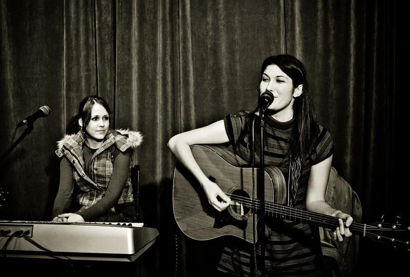 Sasha Aaron & Janea, Dan McGuinness in Cool Springs (Nashville), November 25th, 2008