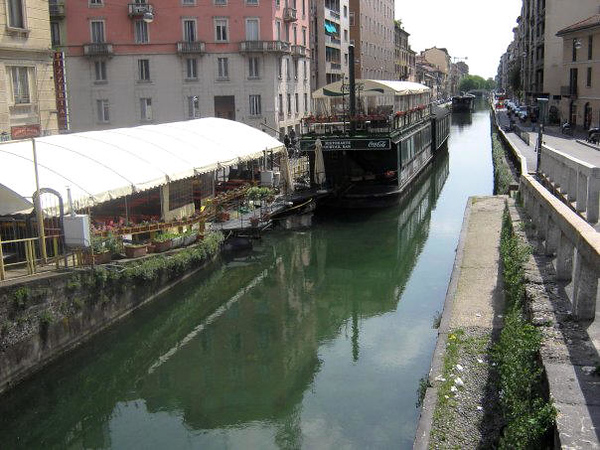 MILANO - FLOATING RESTAURANTS ON THE CANAL