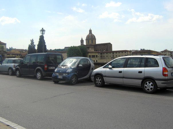 FIRENZE - FLORENCE - THAT IS WHY THEY CALL IT SMART CAR