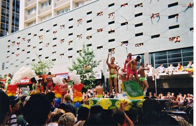 parade_11