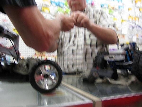 20090620 171411 CODY MATT QMART SLOT CARS MVI_2008