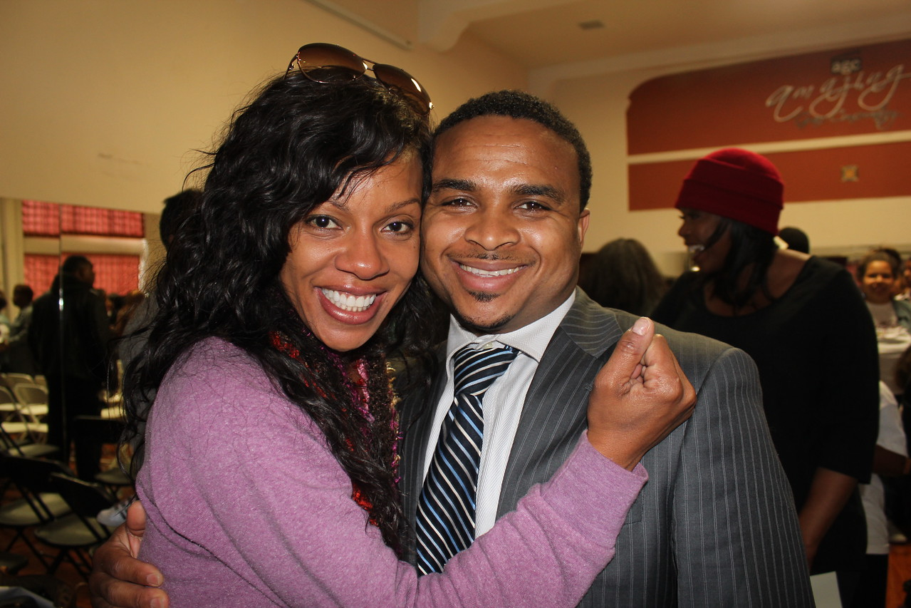 Wendy Raquel Robinson and son Jaaye at her Amazing Grace Conservatory performance of the itty bitty kids.