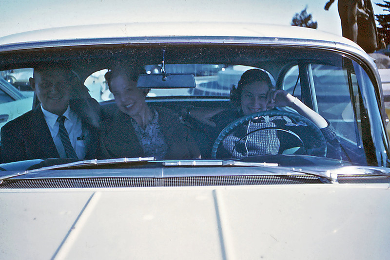 Stew & Maxine Bagley with Cherry in Balyeat's car