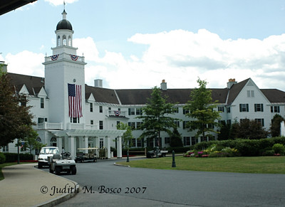 IMGP7343smll  This is the Sagamore Hotel on Lake George. I would cost a whole paycheck to stay her for one night!!  We were told to park (if there was no guard at the gate) and walk right in. If anyone asks us anything, just tell them we were eating lunch there (big lie!). We had a good time acting like we belonged there.