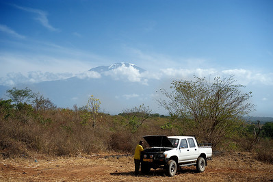 On the way to the starting point of the Lemosho trail up the Kilimanjaro.