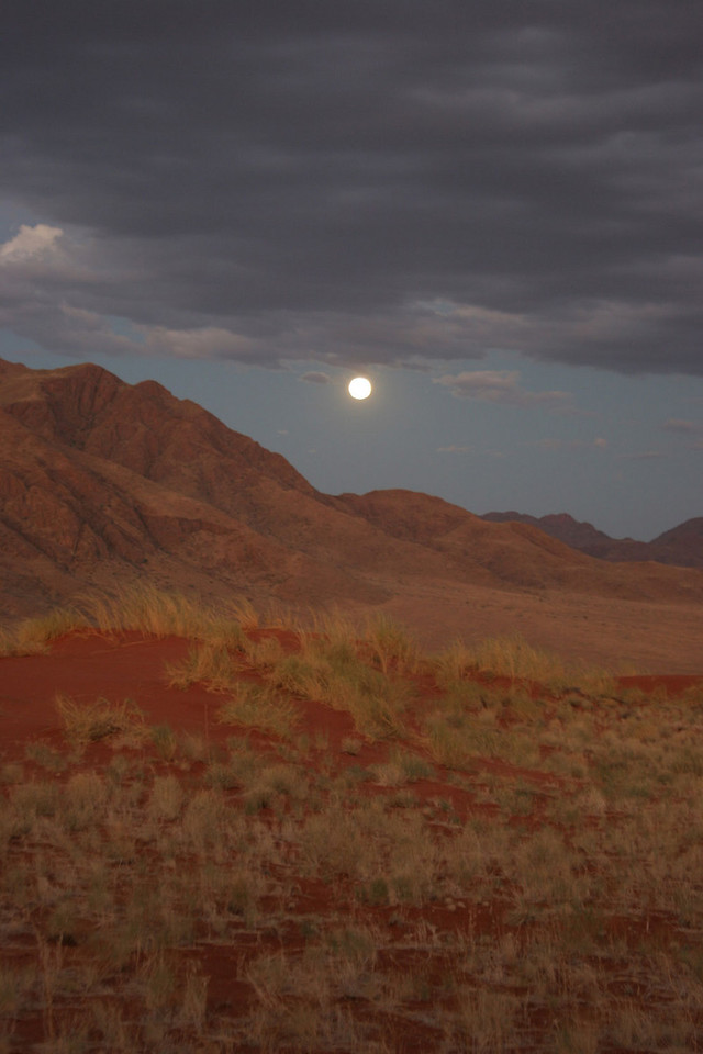 MOON OVER WOLWEDANS (NEAR SOSSUSVLEI)