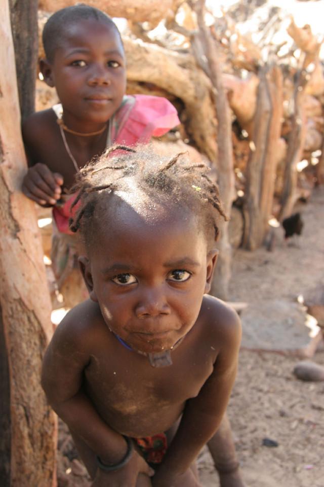 HIMBA CHILDREN, SKELETON COAST