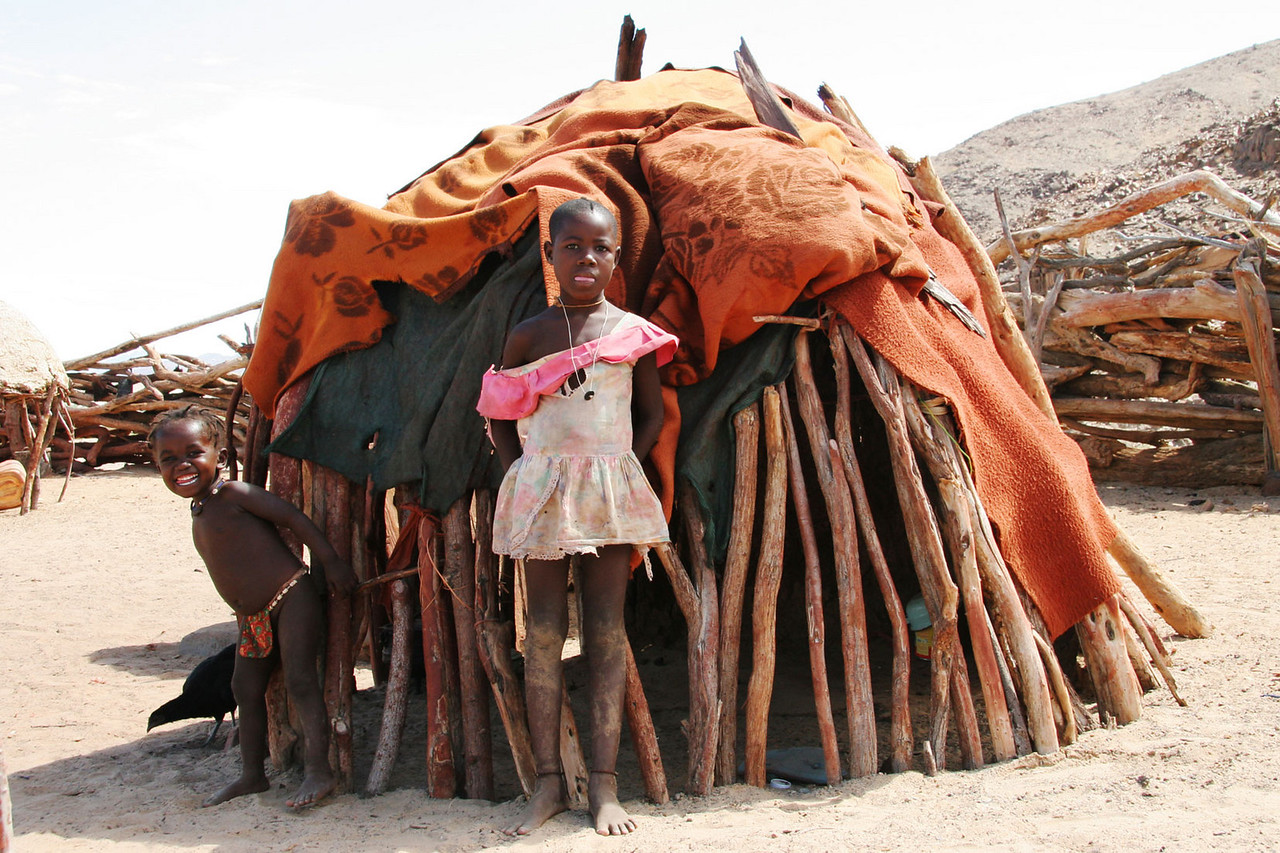 HIMBA CHILDREN, SKELETON COAST