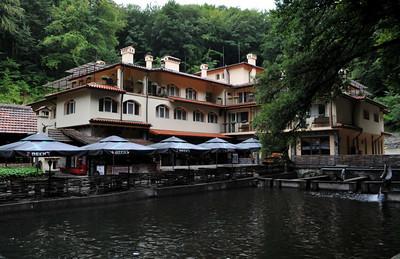 """Езерото; Hotel """"The Lake"""""""