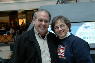 Don & Edi at Atlanta airport, February 2006.
