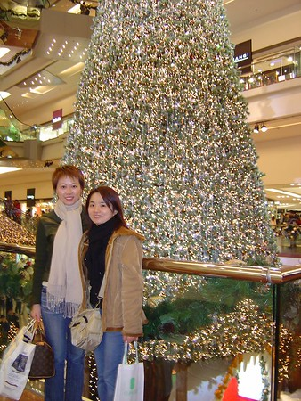 Shopping with Youmi @ Festival Walk (Dec 12, 2003) DONE
