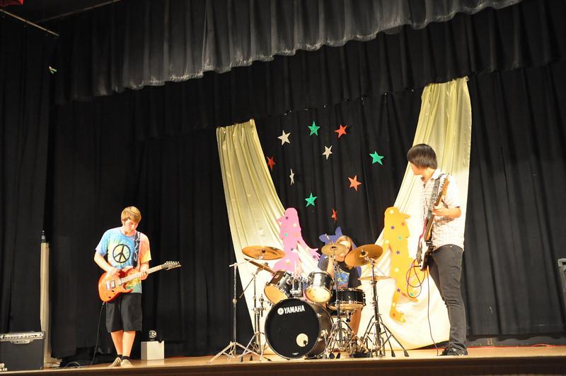 Aaron Trio Band
