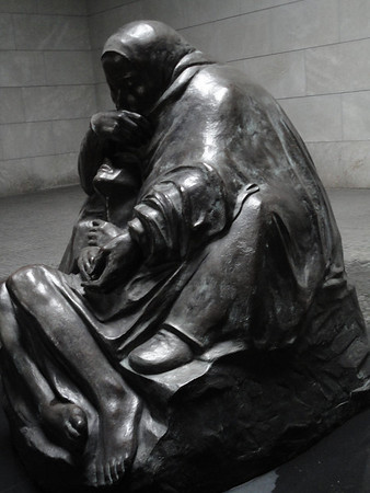Neue Wache war memorial