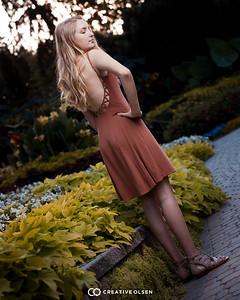 072918 Teya Svoboda Senior Photographs
