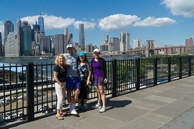 Wow, what a skyline! At the Brooklyn Heights Promenade.