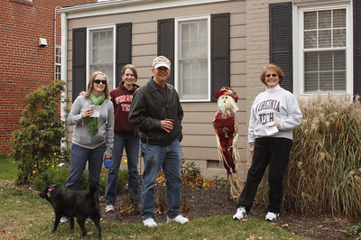 Kelly, Jamie, Jerry & Linda find the Scarecrow