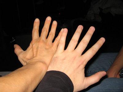 barrage_hands_2
