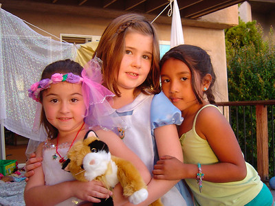 Ella's friends at her 7th birthday party (Dec 2005)