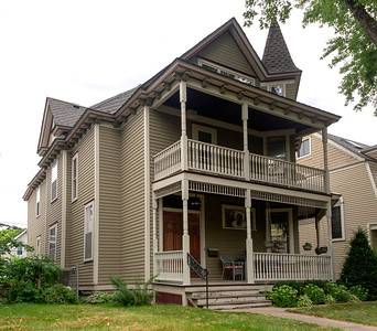 House where Harry Carlson first lived in St. Paul