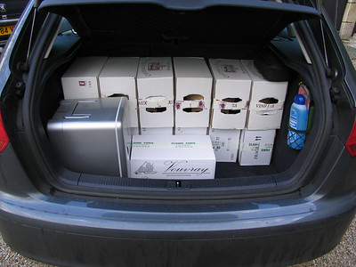 Sunday 16th April, 10:06 BST (11:06 CET). The rear of the A3, loaded up with the red wine, white wine and sparkling - and the lunch fridge!  Even less room for anything else.