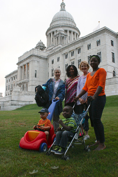 Wynston and Gabriel in their chariots. Anne, Etta, Jane, and Sonie, with the Rhode Island State House as backrop.