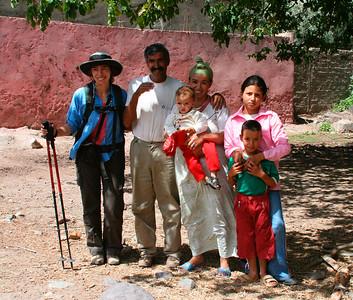 Elisabeth & a friendly Berber family
