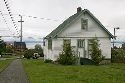 Fantastic little view house, views toward West towards Puget Sound.