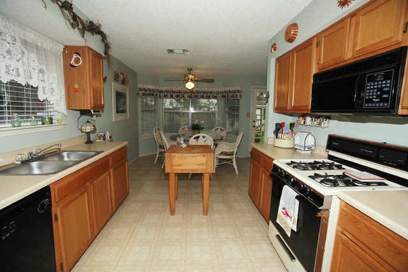 realtor pic of kitchen