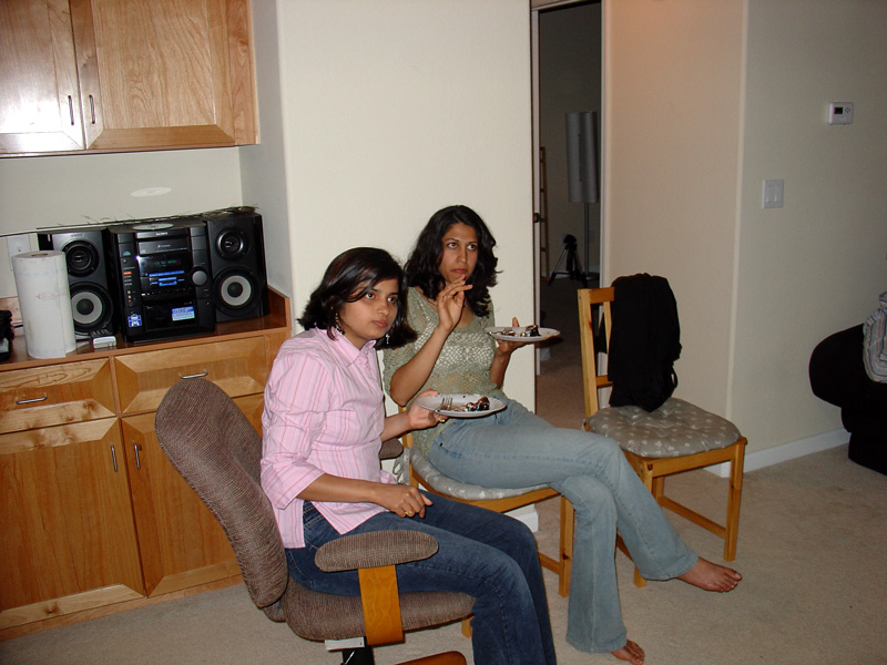 shilpa and mridu find something interesting to listen to