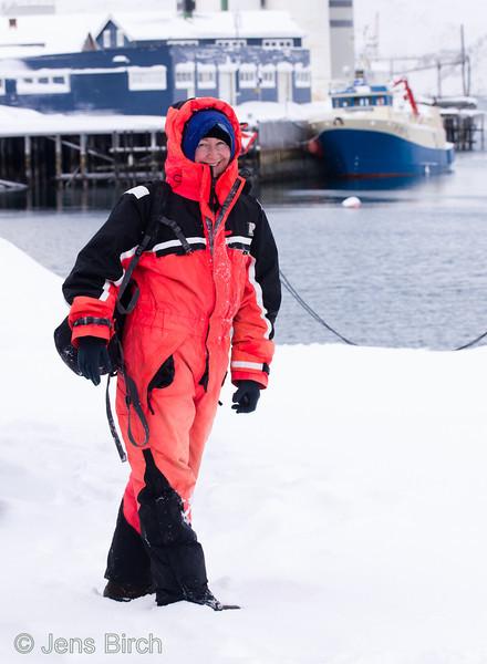 Nature photographer Cathrine S. Spikkerud in birding garments (praktdräkt) at Båtsfjord, Varanger, Norge, March 2013.