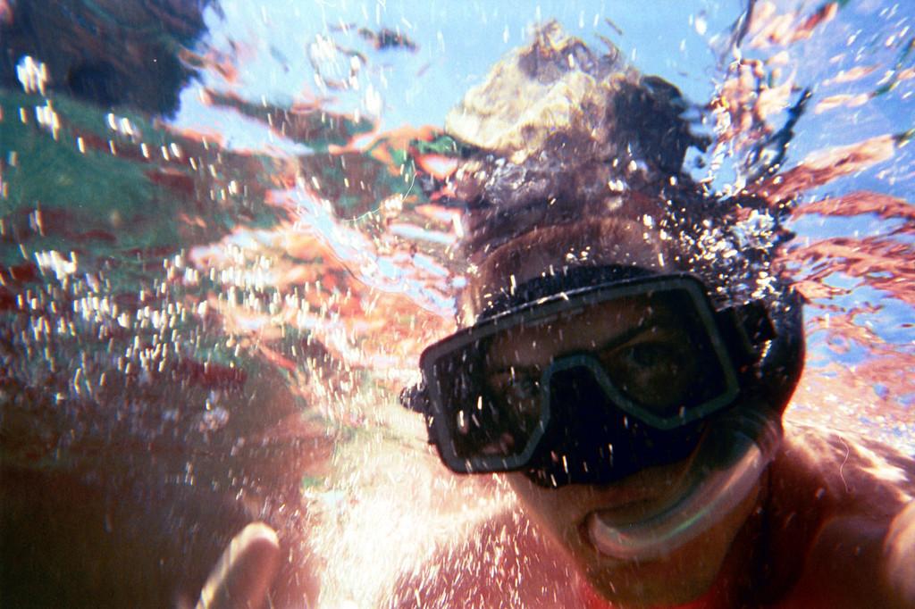 3/15/2004 - Snorkeling - Jon Deutsch.