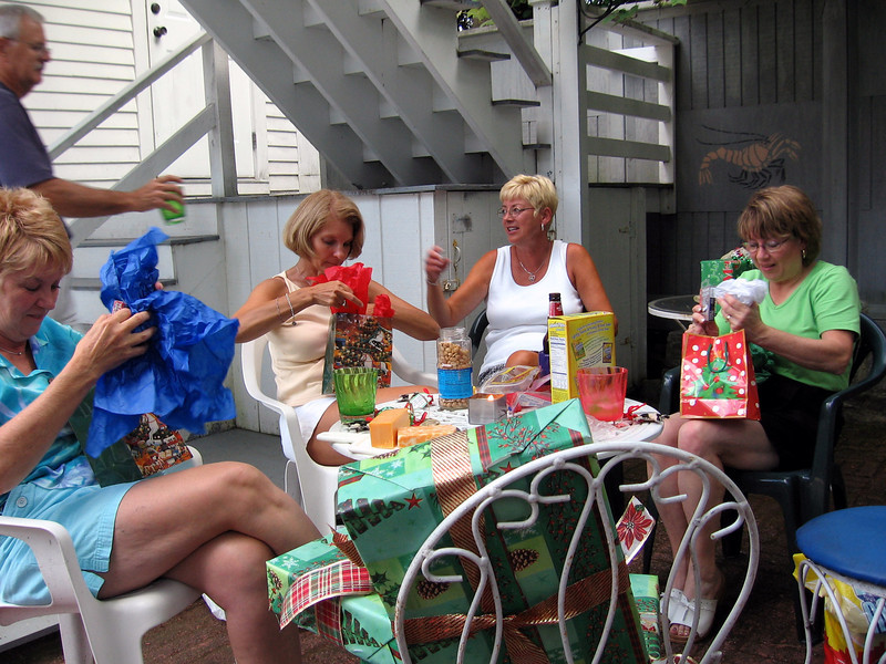 Christmas in the summer - Melody Sloan, Sue Merrill, Pat Deutsch