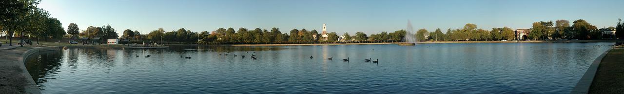 10/20/2007 - Panoramic of Bird Park Lake.
