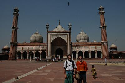 Delhi: Jon & Cheryl at Jama Masjid Mosque.